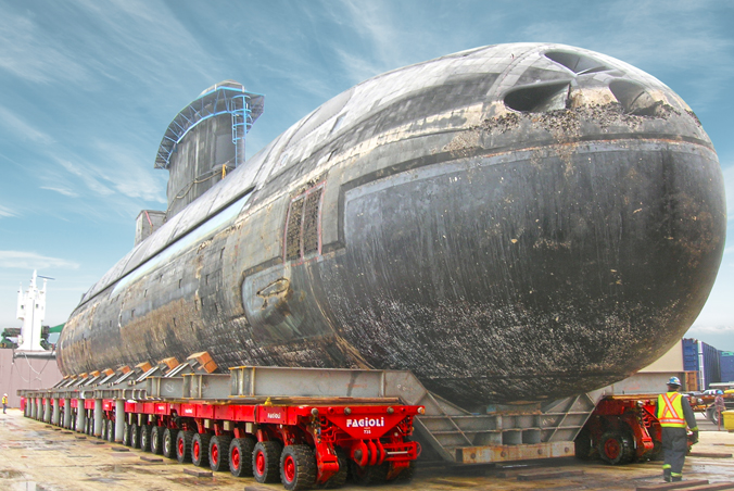 Transporting submarines and related components is nothing new for SCHEUERLE SPMTs as this impressive transport by SCHEUERLE-customer FAGIOLI shows.